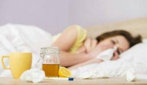 درمان گلودرد با عسل و لیمو